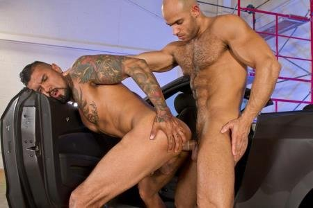 Boomer Banks, Sean Zevran - Auto Erotic Part 2, scene 01 (10 October 2018) [HD 720p]