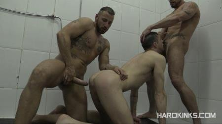 Antonio Miracle, JaceTyler, Mario Domenech - Dominated In The Shower (23 September 2019) [HD 720p]